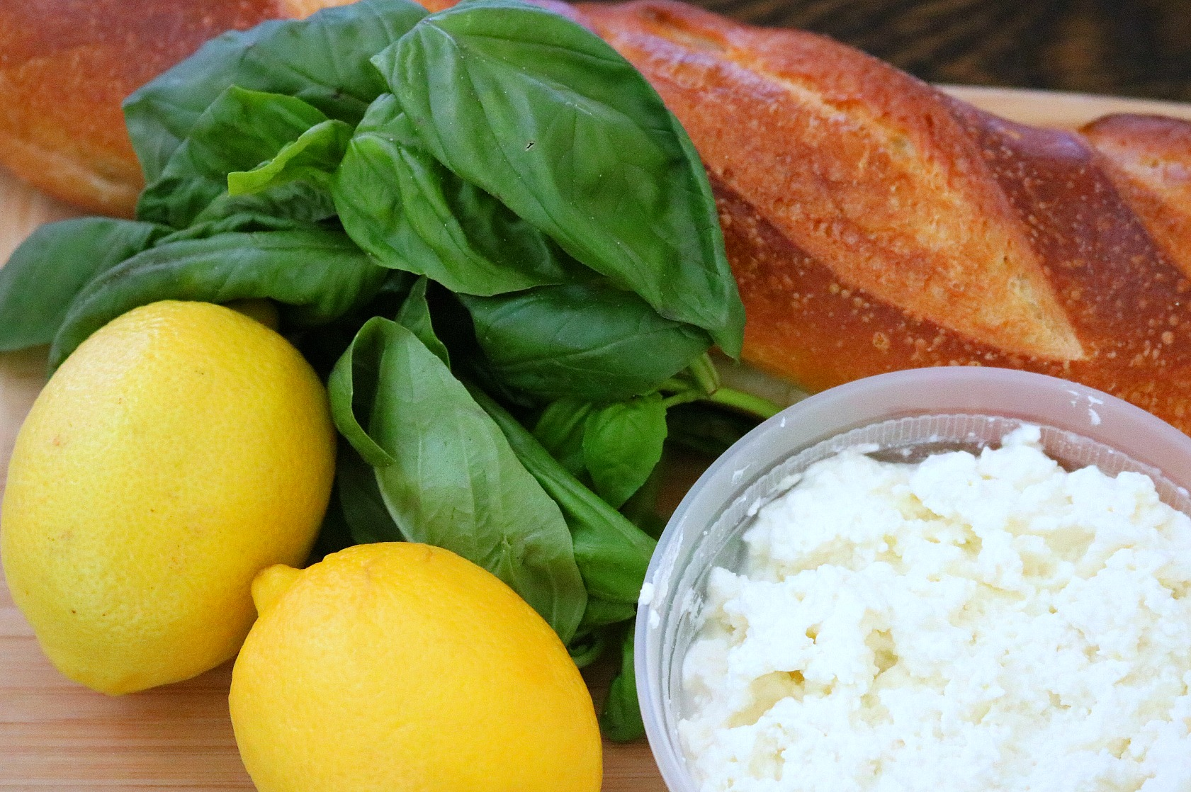 Lemon Basil Ricotta Crostini - with only 4 main ingredients, this is a must make appetizer for your next dinner party ~ www.mangiamichelle.com